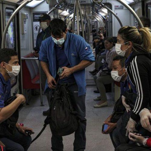 Opinión: Pandemia y culpa, por Renzo Munita y Cristián Aedo