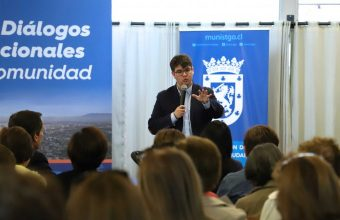 Charla sobre el proceso constituyente para la Municipalidad de Santiago