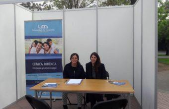 Clínica Jurídica participa en Feria de servicios para el adulto mayor