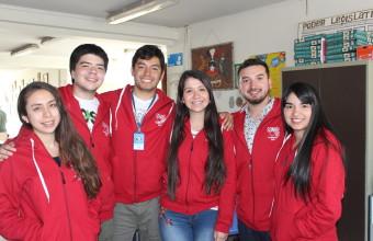 Alumnos de Derecho Concepción participan en Sonríe UDD