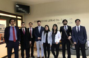 Alumnos que cursan Destrezas de Litigación en materia Laboral, visitan tribunales.