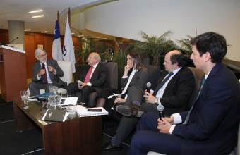 Facultad de Derecho presentó nuevo Centro de Derecho Regulatorio y Empresa