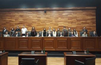 Alumnos de segundo año visitan Tribunal Constitucional