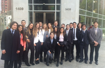 Alumnos de primer visitan 17º juzgado civil de Santiago