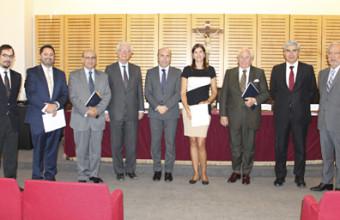 Profesora Camila Boettiger aprueba con distinción  defensa de tesis doctoral
