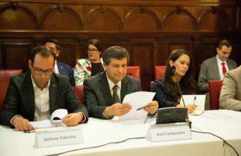 Profesor Campusano participa en conversación sobre Carta Democrática de la OEA